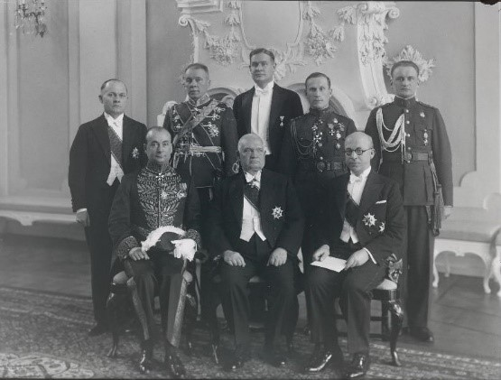 Seated (from the left) Romanian envoy Gheorghe Davidescu, State Elder Konstantin Päts, Minister of Foreign Affairs Julius Seljamaa; standing (from the left) State Secretary Karl Terras, Major General Gustav Jonson, Commander-in-Chief of the State Elder, Chief of Protocol of the Ministry of Foreign Affairs August Koern, Senior Commanding Officer of the State Elder Lieutenant Colonel Herbert Grabbi, and Junior Commanding Officer of the State Elder Junior Lieutenant Oskar Põder. Photo: Estonian National Archives